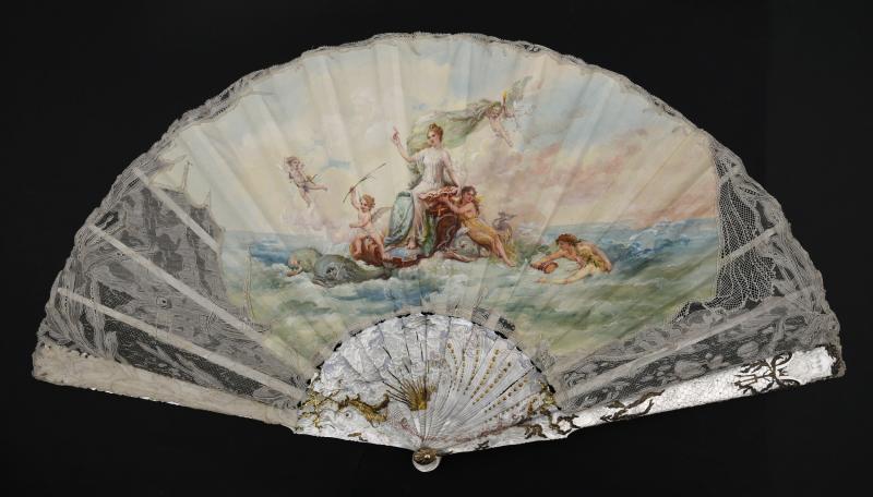 Photos of Amphitrite fan by Aya Matsumoto  Coutau-Begarie Paris auction house. Provided by Georgina Letourmy Bordier