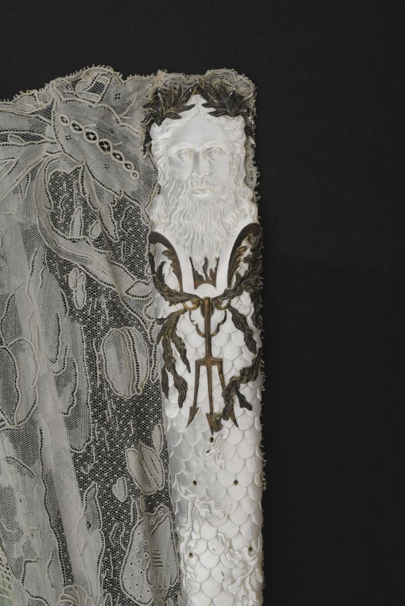 Photos of Amphitrite fan by Aya Matsumoto  Coutau-Detail Guard Begarie Paris auction house. Provided by Georgina Letourmy Bordier