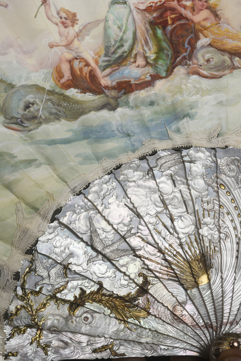 Carving Photos of Amphitrite fan by Aya Matsumoto  Coutau-Begarie Paris auction house. Provided by Georgina Letourmy Bordier